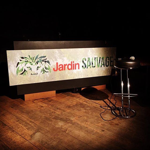 La Scene Est Prete Pour S Enjailler Jardinsauvagepeniche Paris