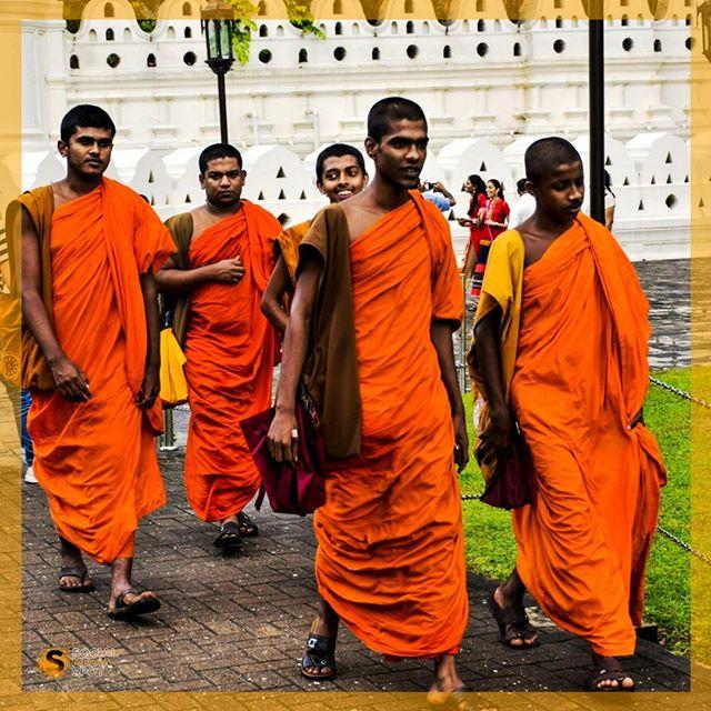 major religion of sri lanka