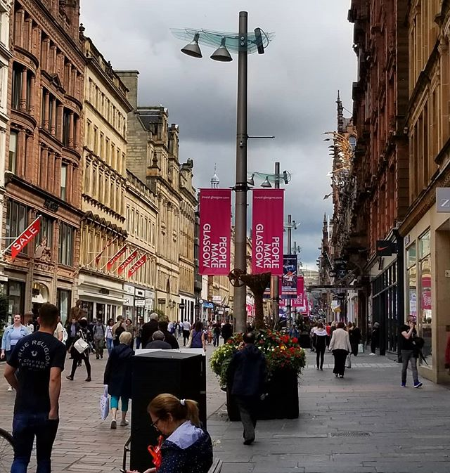 Gardendesign Books: We Went For One Last Walk In Glasgow This Morning. It Is