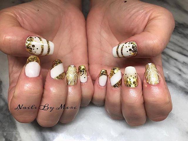 Gold Nail Art By Our Talented Tech Meri Meri3k Gold Goldnails