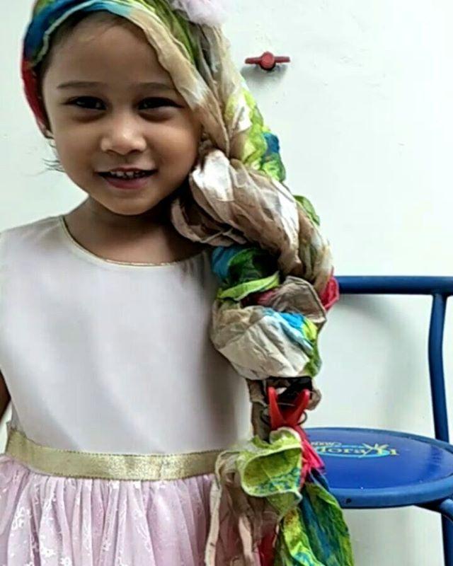 """""""hello my name is rapunzel""""   well setelah jadi"""