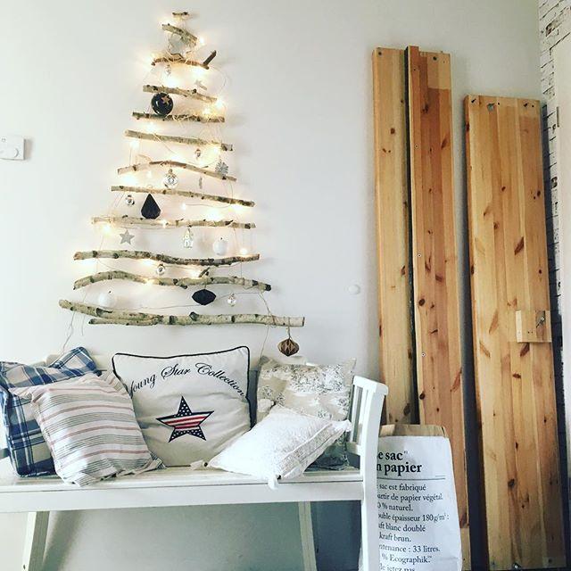 Weihnachtsdeko Aus Birke.Die Erste Weihnachtsdeko Hängt An Der Wand Birke Christmastree