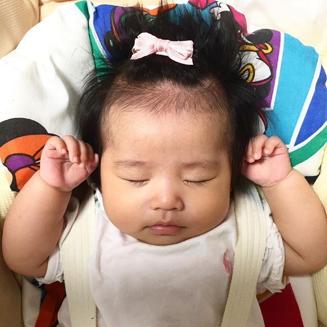 赤ちゃん 髪の毛 立つ